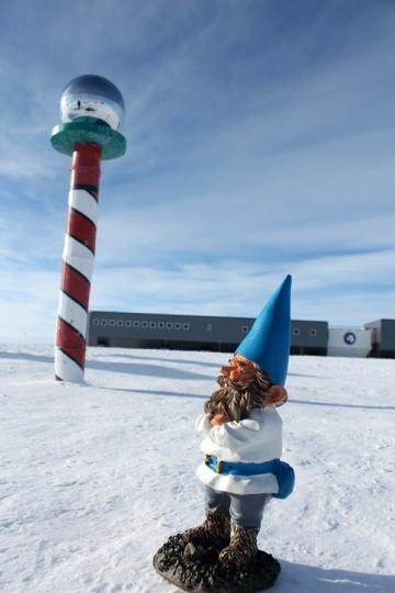 Kern the Gravity-Exploring Gnome